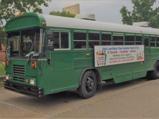 GLOW Bus (2)