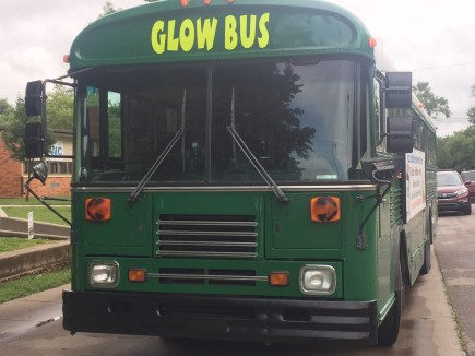 GLOW.Bus.front